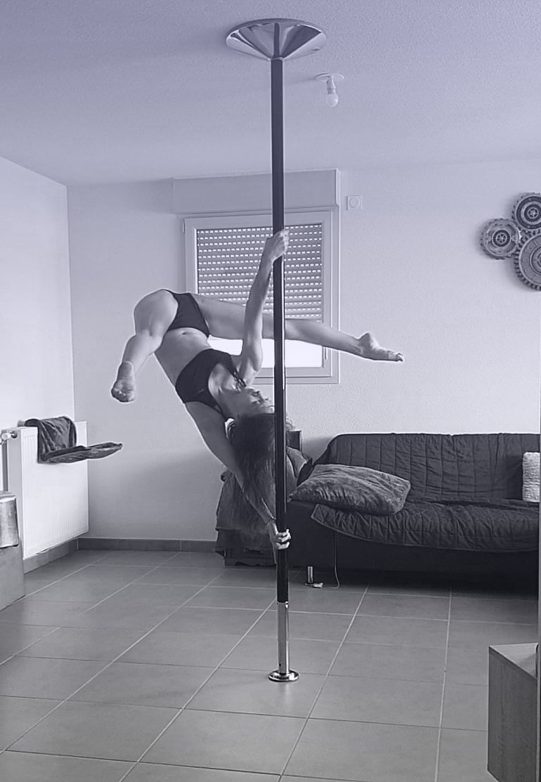 Ayesha Twisted grip pole dance