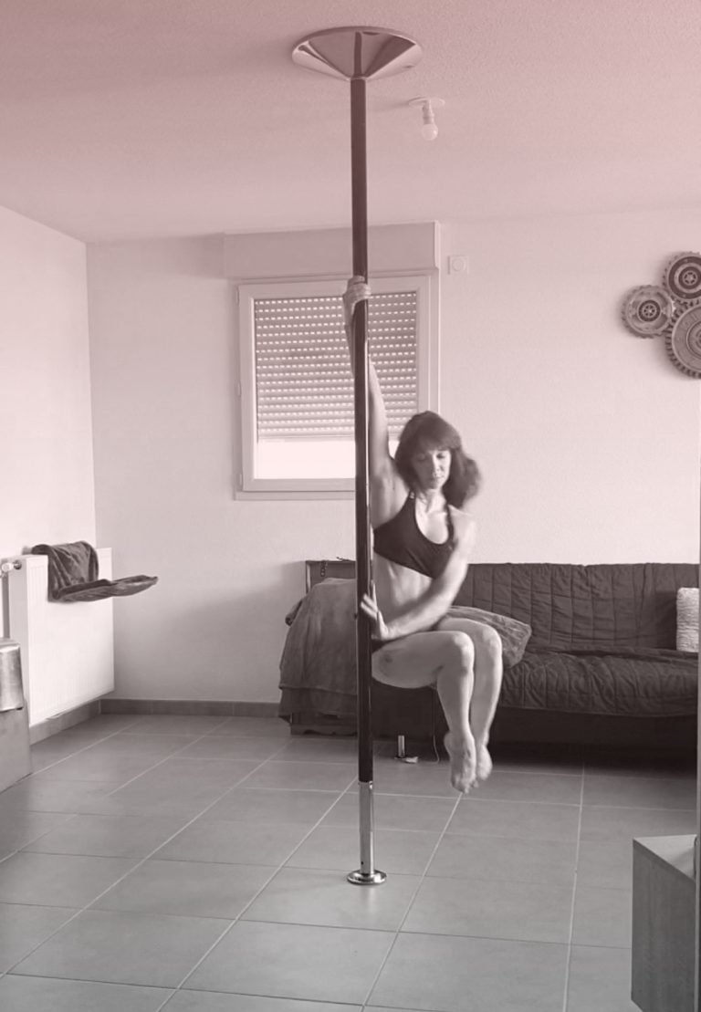 Chair spin pole dance