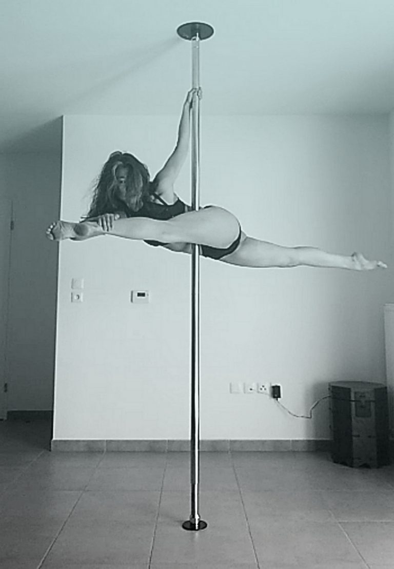 Chopsticks pole dance