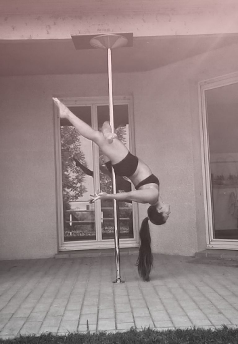 Cross knee release pole dance