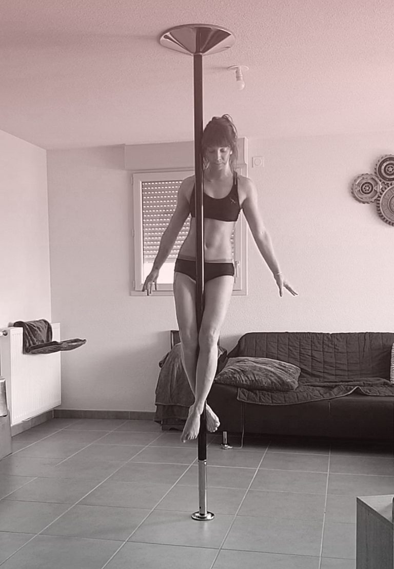 Crucifix pole dance