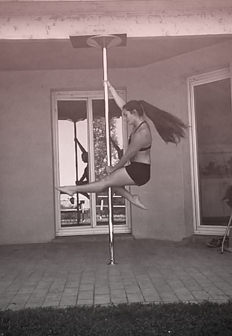 Firelady pole dance