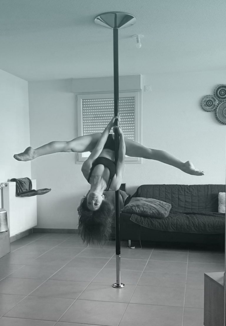 OpenV pole dance