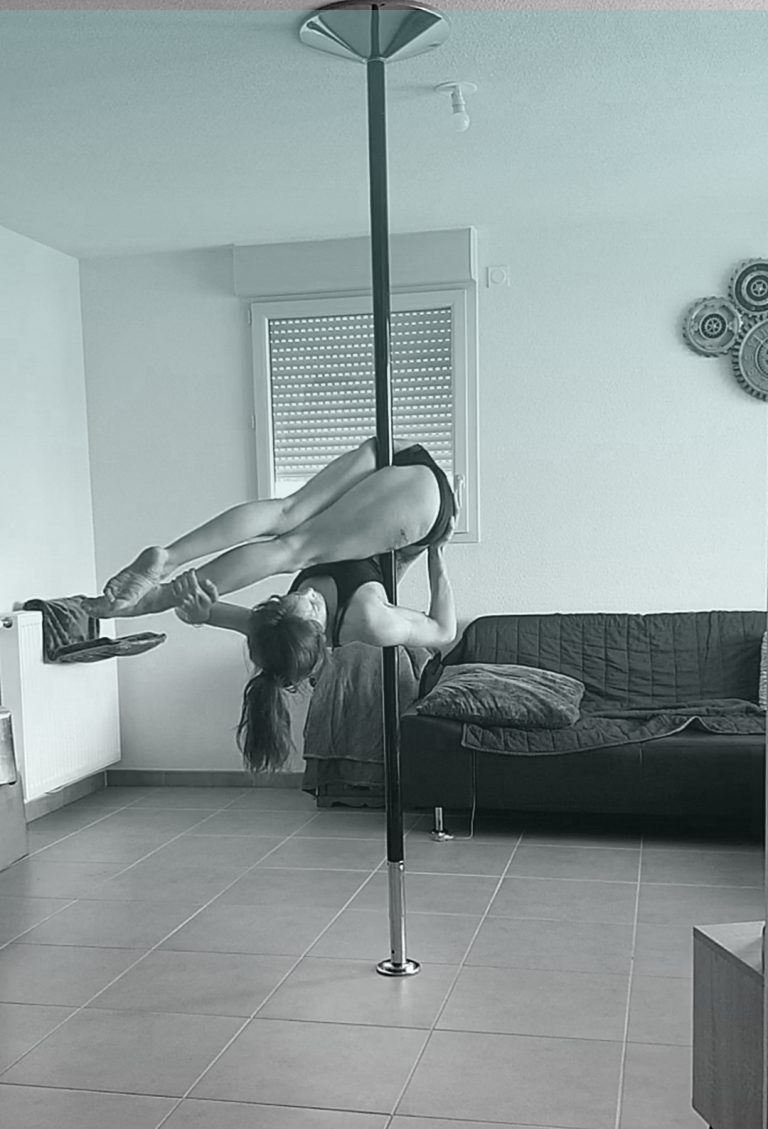 Pike inverted pole dance