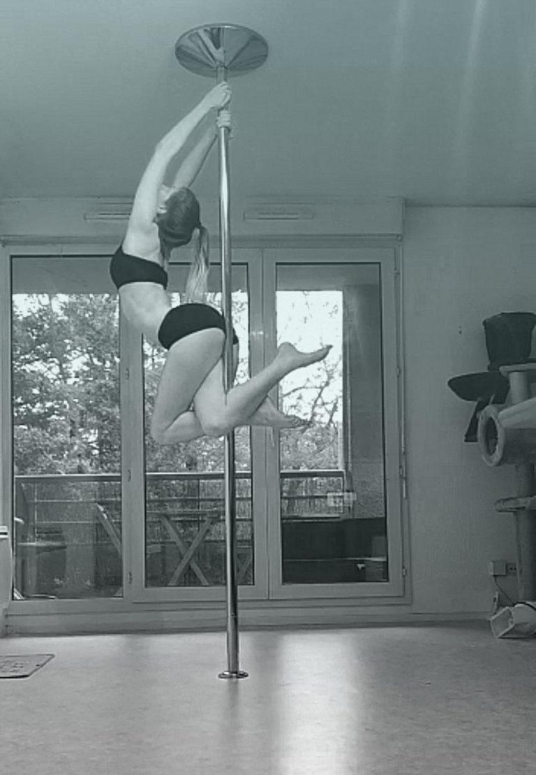 Seahorse pole dance