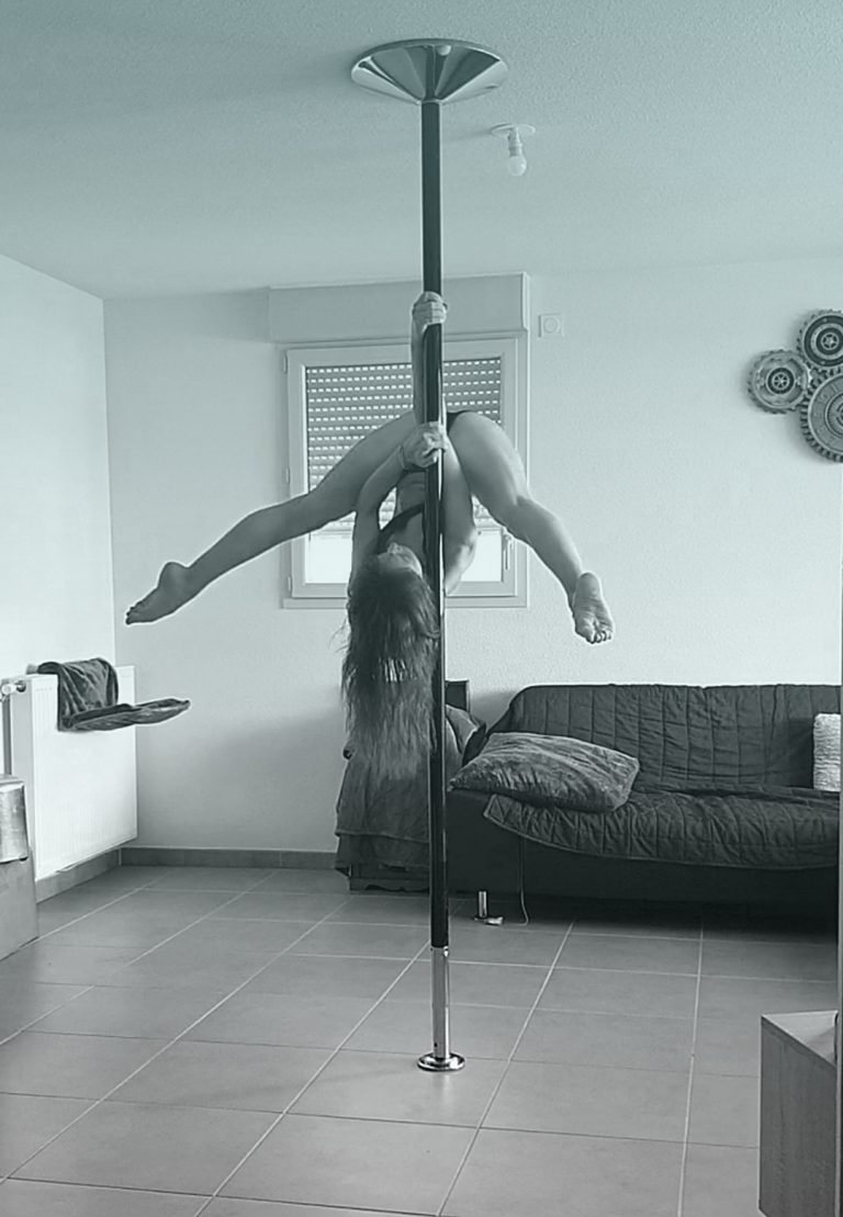 Shoulder Princess Grip pole dance